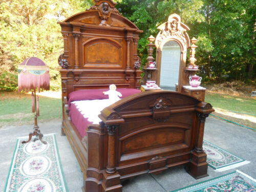 EXCEPTIONAL VICTORIAN RENAISSANCE THOMAS BROOKS BEDROOM SET