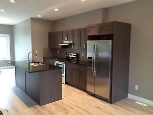 Rosewood, Sutherland, city park or varsity view places for rent