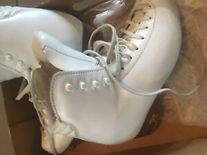 Figure skating boots 6' no blade