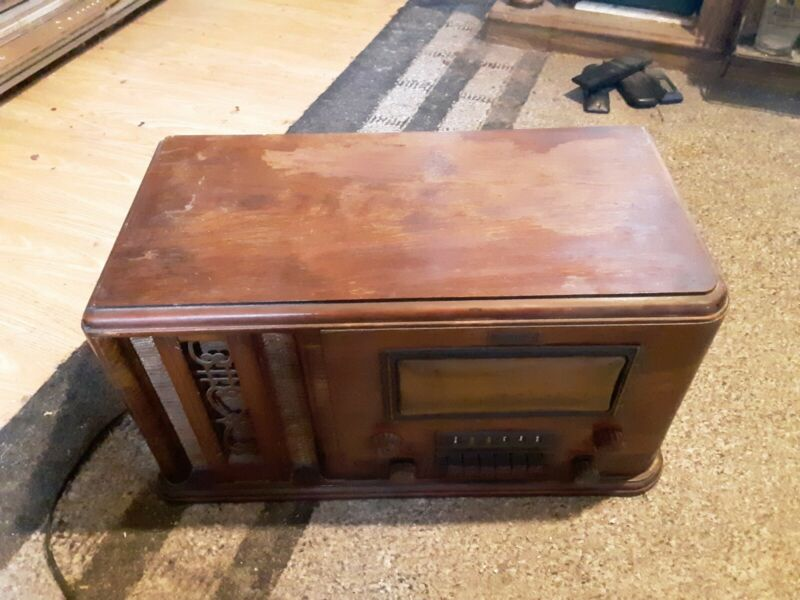 Knight Vintage Antique AM-FM Radio (Read Description)
