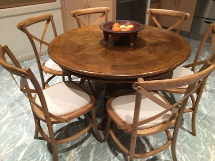 Chateau Parquetry Round Dining Table And Chairs