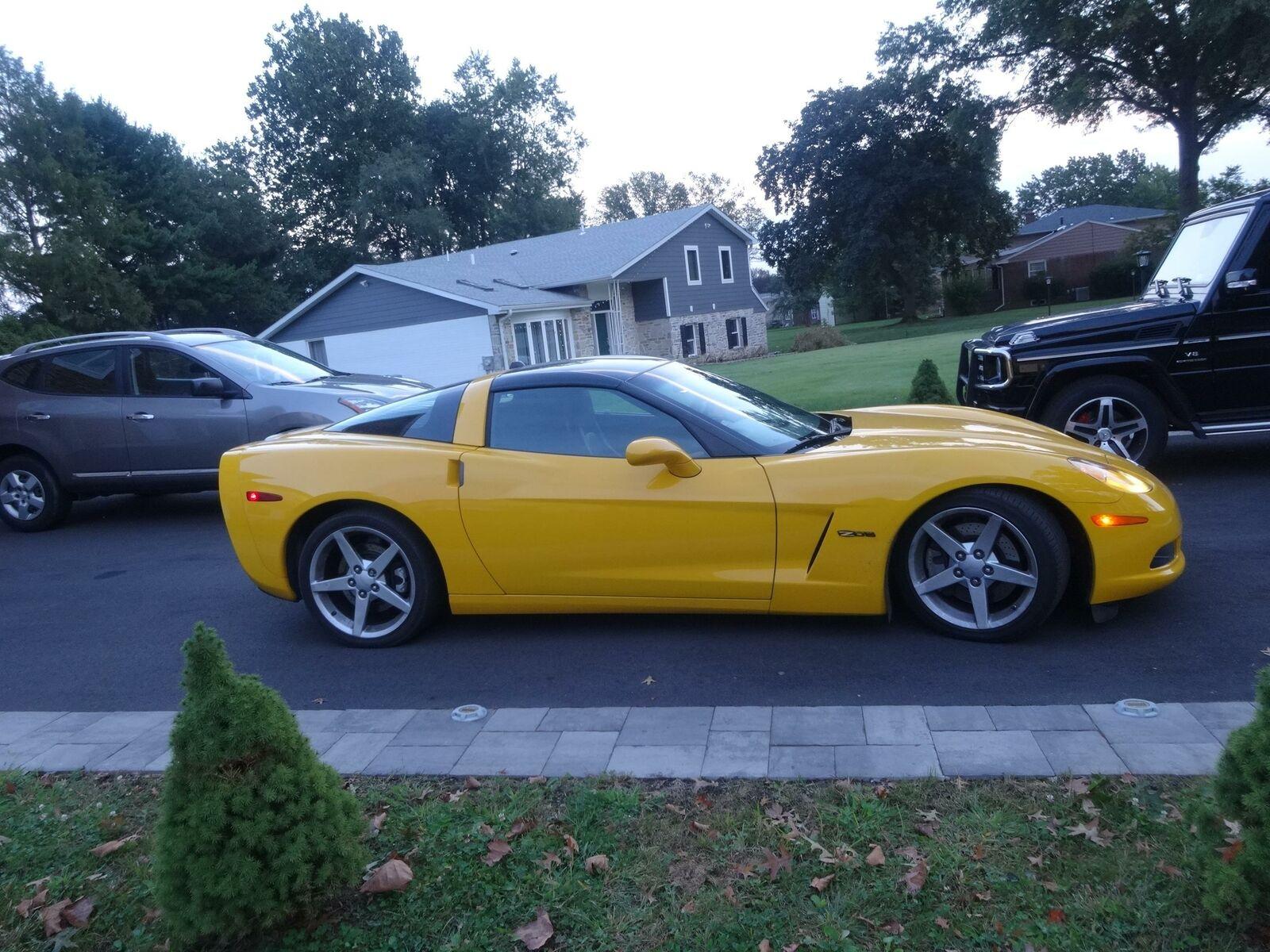 2005 Yellow Chevrolet Corvette     C6 Corvette Photo 10