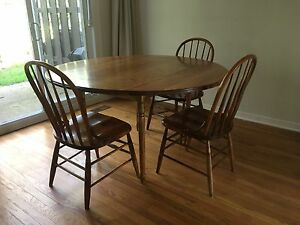 Bass River dining table