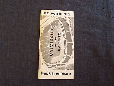 vintage 1963 University of the Pacific football press / media guide