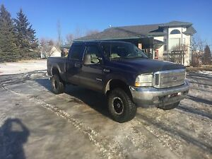 2003 Ford F-350 Lariat 4x4 Pickup. *Great Shape* Crew Cab
