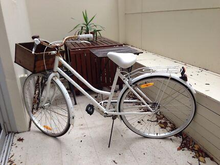 Ladies white retro bike $70 !!! Bondi Eastern Suburbs Preview