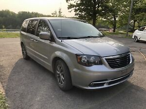 RARE MODÈLE S TOWN AND COUNTRY 2016 GARANTIES 160000km