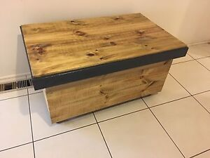 RUSTIC COFFEE TABLE /STORAGE / BLANKET BOX/ Greenvale Hume Area Preview