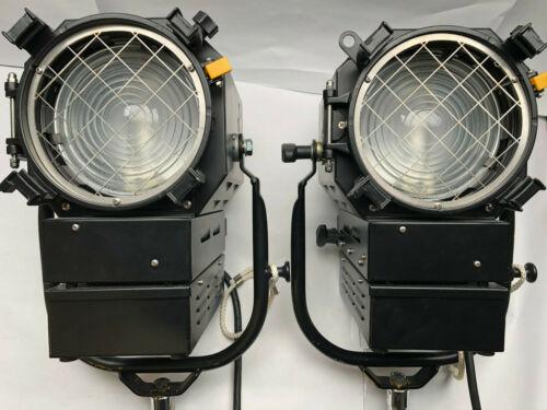 DeSisti 3410 CDM Fresnel lights (Pair)
