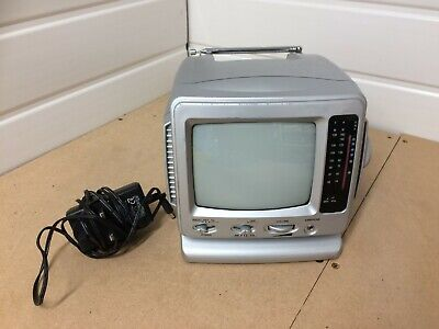 Mini TV/Radio, 5.5 inch screen, Black and White with Power Adapter!
