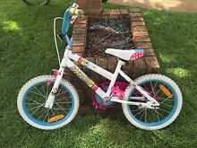 Girls 16 inch huffy bike Raymond Terrace Port Stephens Area Preview