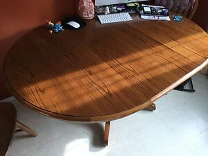 Solid wood table w/leaf & 4 chairs