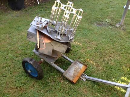 Electric clay / trap / target disc thrower. $150 o.n.o..