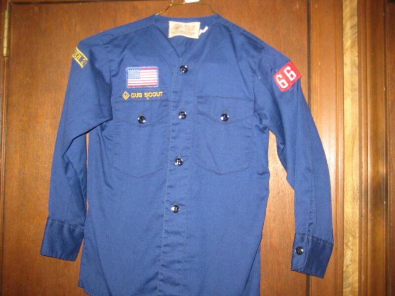 Cub Scout v-neck Long Sleeve Shirt, Youth Medium(10-12)     c26