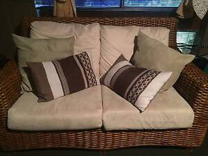 Solid Cane Lounge Suite + matching coffee table (4 piece setting) Seaford Meadows Morphett Vale Area Preview