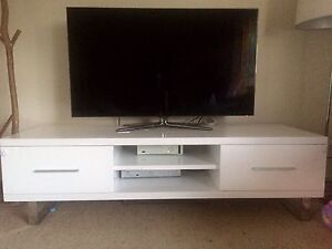 Tv unit with drawers Deakin South Canberra Preview