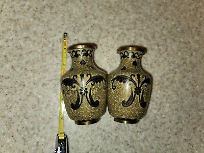 VINTAGE CLOSIONNE URNS BUTTERFLY DESIGN CHINESE ENAMEL SET OF 2