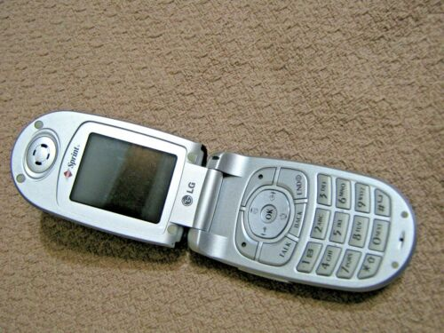 LG U15225 Red/black Flip Phone/Cell Phone, no charger