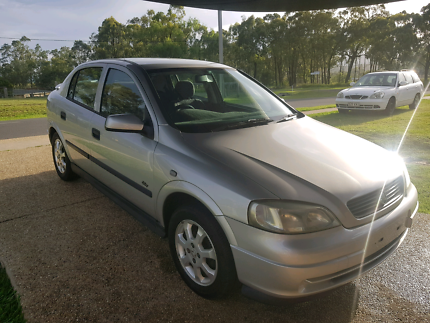 2x holden astras need gone asap!