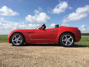 IMMACULATE Saturn Sky Redline Convertible (Turbo) LOW KM
