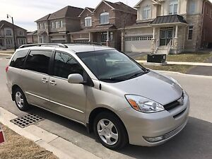 2004 Toyota Sienna LE super Clean Low Kms