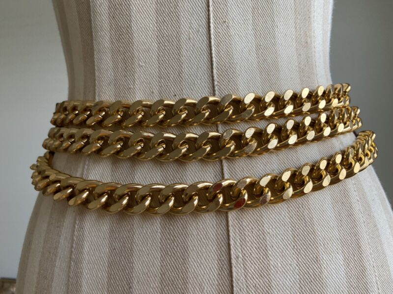 """VTG.  Women's 3 Gold Chains Leather Belt 1980's Snaps In Back 2""""wide Small 28-30"""