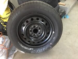 1 Toyota Camry wheel with tire 215/60/16 Michelin X