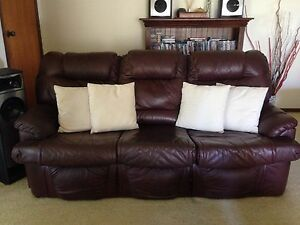 Leather 3 Seater Lounge Beaudesert Ipswich South Preview