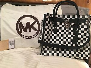 AUTHENTIC AND NEW MICHAEL KORS HAMILTON BAG