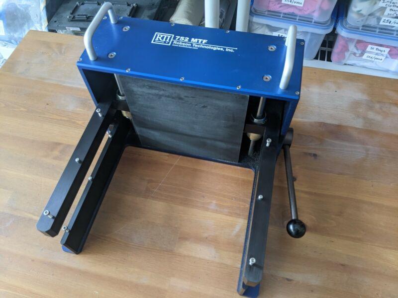 RTI 752 MTF PCB Mechanical Press