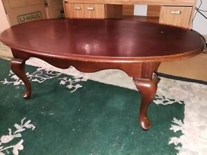 Living room table w matching end tables