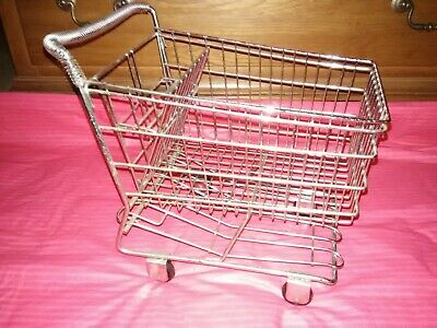 Small Metal Shopping Cart Realistic Wrolling Wheels Display Basket Doll Toy Vgc