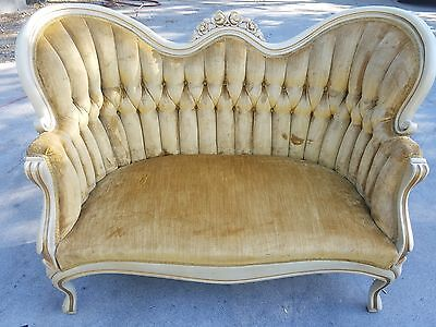 Kimball victorian couch from the 50's.  beautiful condition $800.00