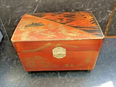 Vintage wooden Japanese jewellery box musical