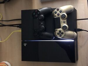 PS4, 2 controllers and Call of duty infinite warfare