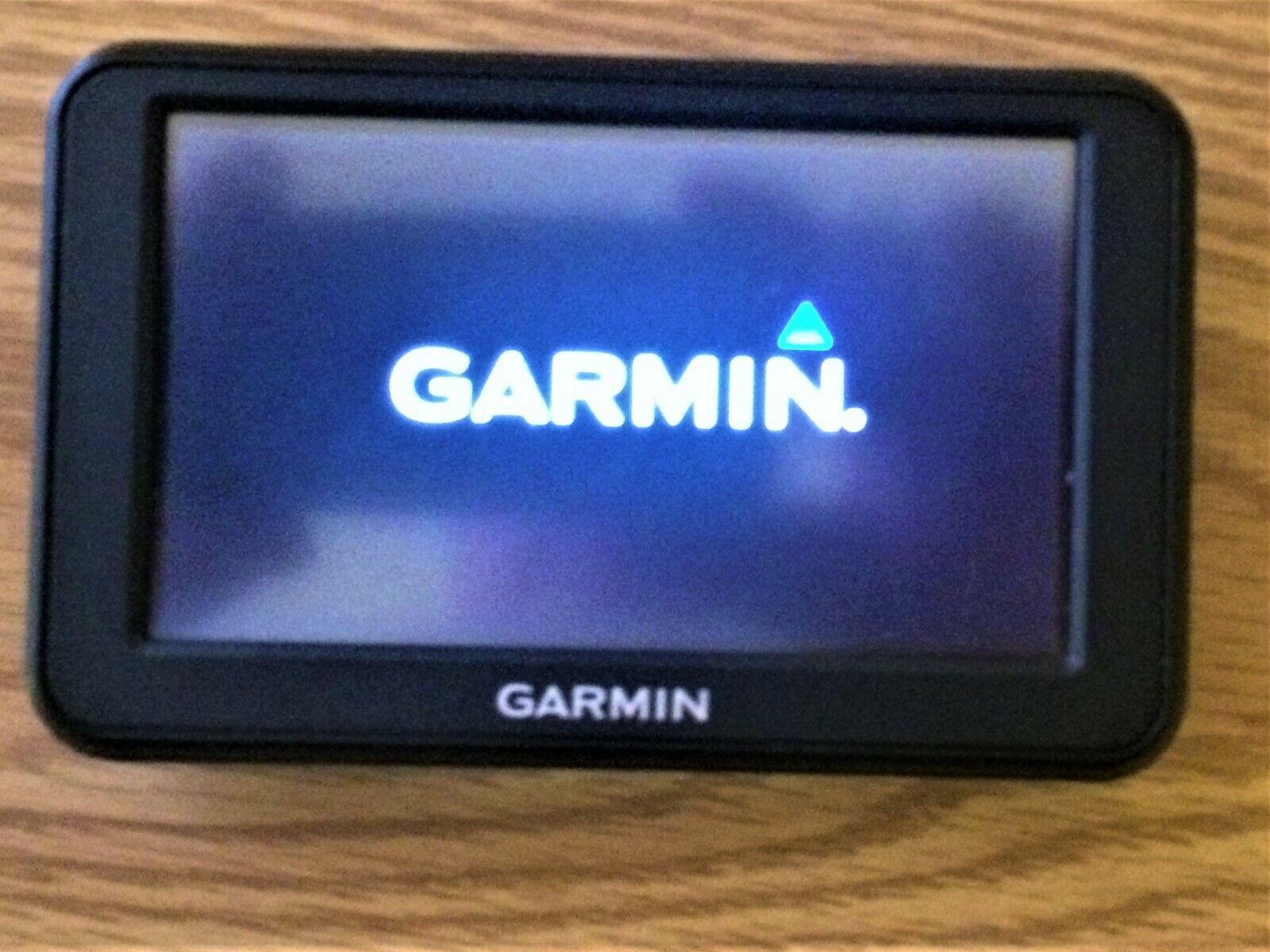 Garmin Nuvi 40LM 4.3-inch GPS Current Software 4.0 Bundle USB + AC + Car Adapter