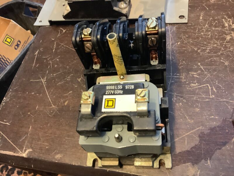 Square D LO-20 LR60905 9998L55 9728 277v 60Hz Industrial Control System ( B136