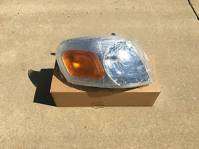 2001 Chevrolet Venture Headlight - 1997-05 Pontiac Montana & Chevrolet Venture - RH - Passenger Side - Headlight
