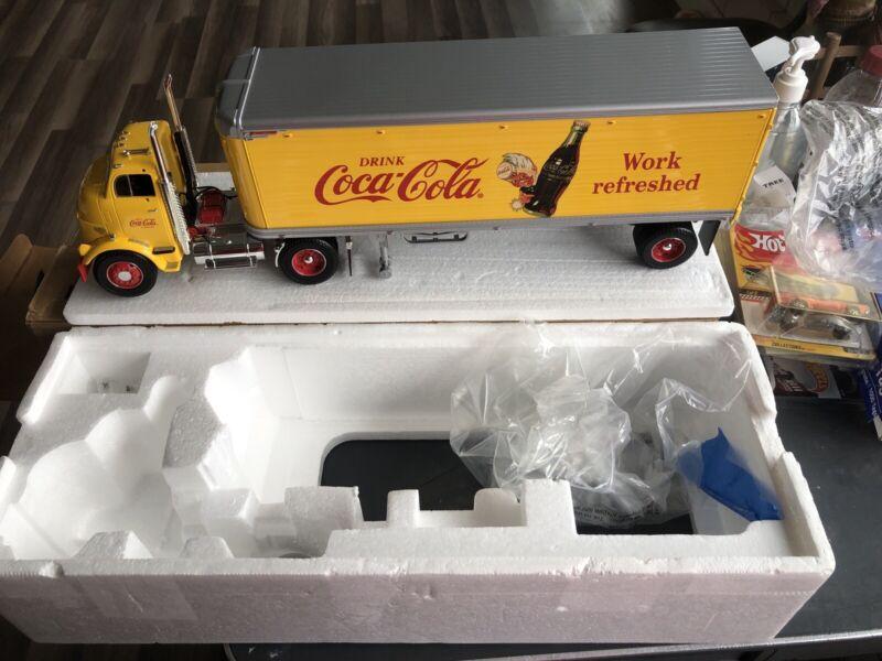 1998 Ertl Coca Cola GMC Tractor Trailer 1/25 Diecast Semi Truck In Box H852