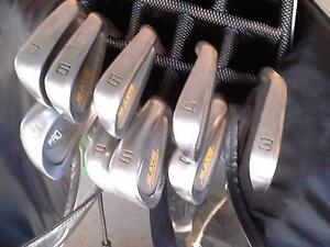 Golf Bag with Irons & Putter Burradoo Bowral Area Preview