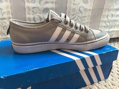 Adidas nizza Size 8.5 Light Grey