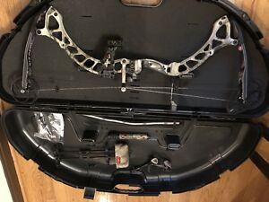 Diamond dead eye compound bow package right hand (never used) NEW!