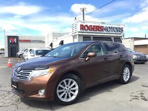 2011 Toyota Venza V6 - LEATHER - PANO ROOF - REVERSE CAM