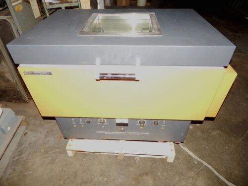 New Brunswick Scientific G-25R Controlled Environment Incubator Shaker, G-25