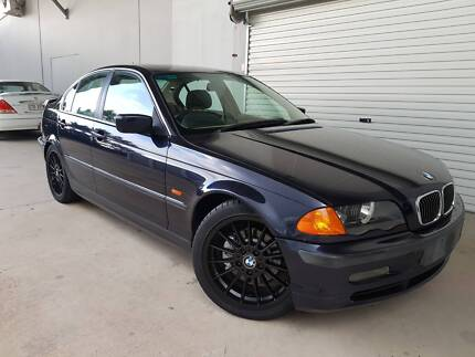 BMW 328I Sedan E46 - AUTOMATIC - DRIVES GREAT - 1 YEAR WARRANTY