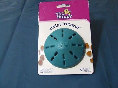 Busy Buddy® Puppy Twist 'n Treat, Leckerli-Versteck speziell für Welpen, Größe