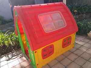 Kids indoor/outdoor cubby house Waitara Hornsby Area Preview