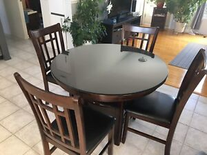Table en bois ronde 4 ou 6 places( rallonge)