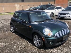 10 Mini Cooper With Very Low Km. Manual.