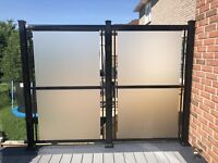 Aluminum railings with glass privacy fence column gate handrail.